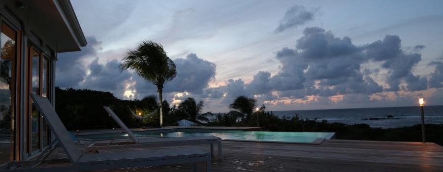 vue-maison-Barbadine_piscine-soleil_villa-location-de-luxe_5D1B4518